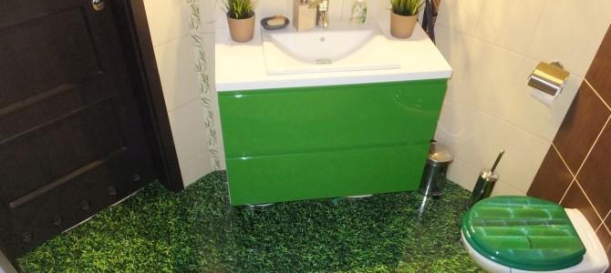 Posiej trawę w łazience – fototapeta na podłogę