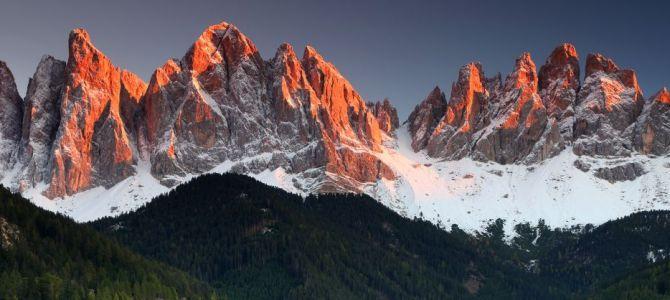 Fototapety z górskim pejzażem