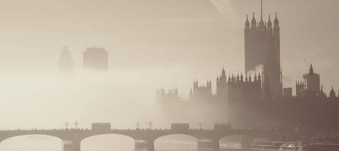 Krajobraz za mgłą